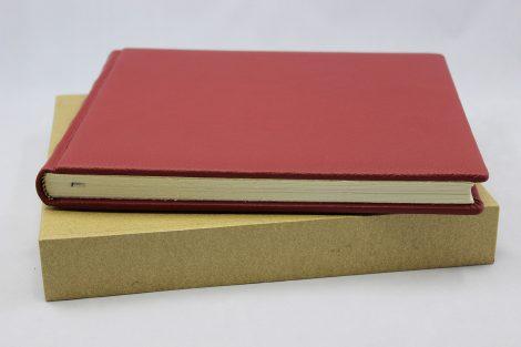 Gästebuch 16 aus genarbtem Vollrindleder mit Büttenblock