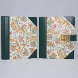 Poesiealbum und Tagebuch mit Schloss Ciprio Halbleder – mit Goldpulver veredelte Blumenmotive