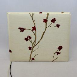 Gästebuch Bonsai quer, mit Stickereien