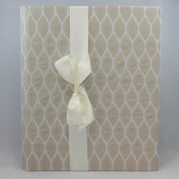 Hochzeitsalbum Moire XL in creme weiß, mit Satinschleife