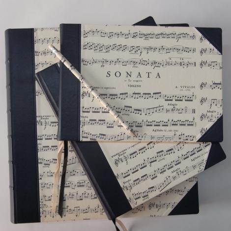 Fotoalbum Sonata mit blauem Leder