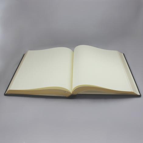 Gästebuch dick aus genarbtem grünem Leder mit Goldschnittblock