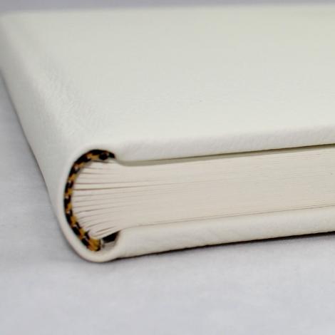 """Foto-Gästebuch """"Unsere Hochzeit"""" aus weißem Leder"""