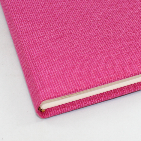 Gästebuch Candy hochkant in Pink – pinkes Gästebuch im Stoffeinband mit 144 blanko Seiten zum selbst gestalten