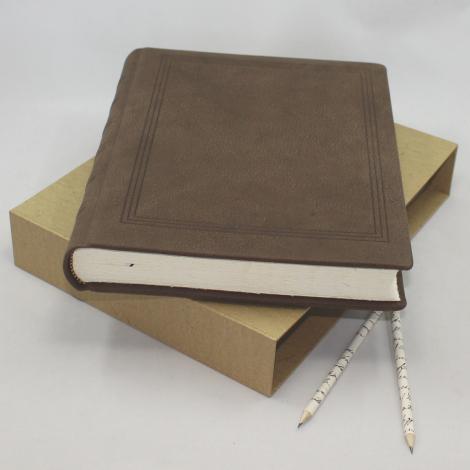 Gästebuch dick Wasserbüffel Leder mit handgerissenem Büttenblock und Prägung
