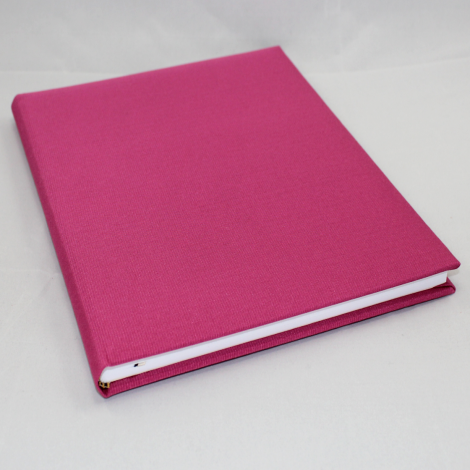 Gästebuch Multicolori hochkant in Pink – Blankobuch im Stoffeinband