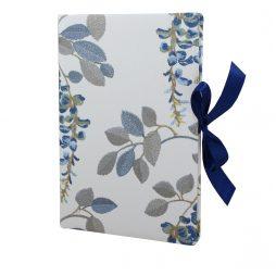 Gästebuch Valerie mit Blumenmotiven und blauer Satinschleife